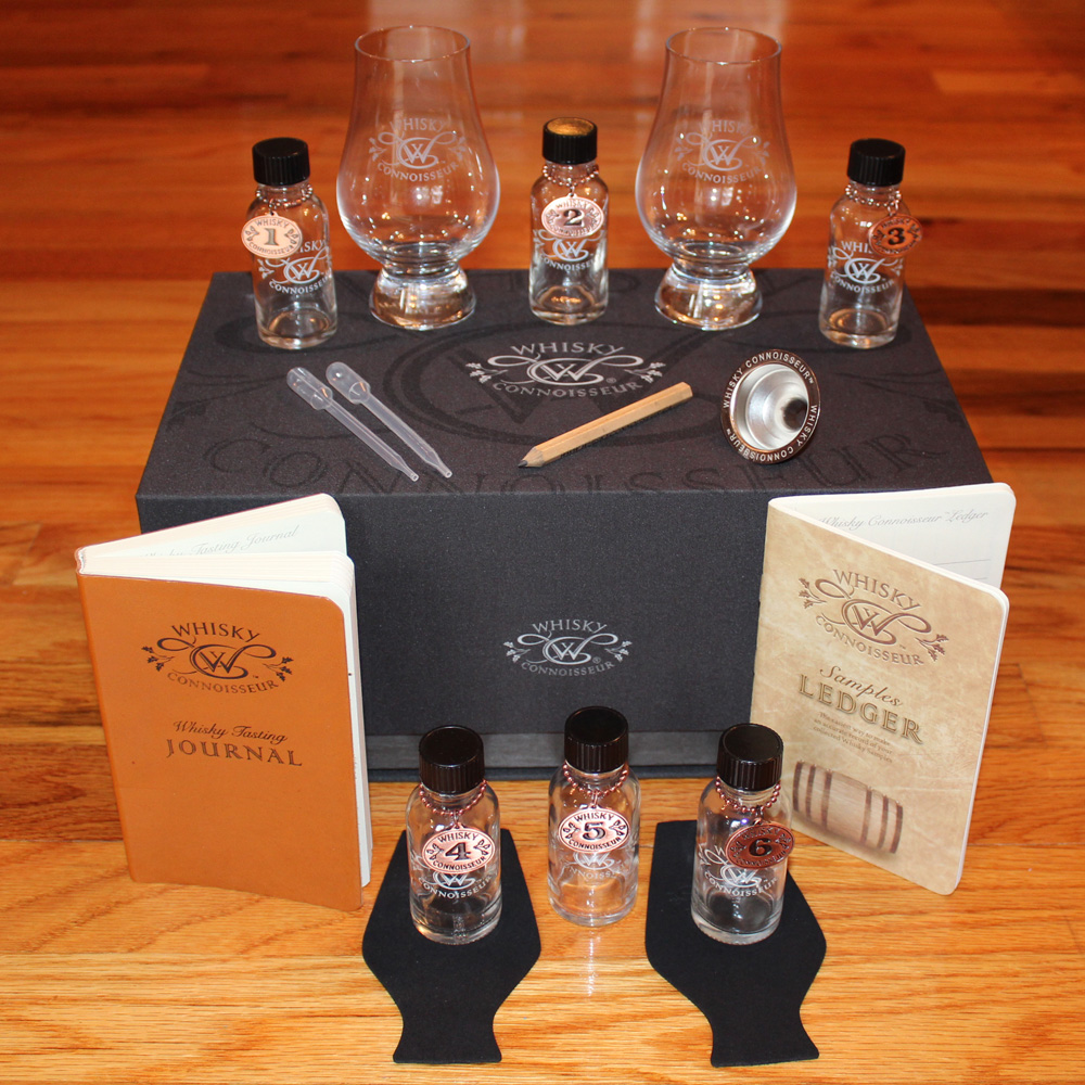 deluxe leather whisky travel kit whisky connoisseur. Black Bedroom Furniture Sets. Home Design Ideas
